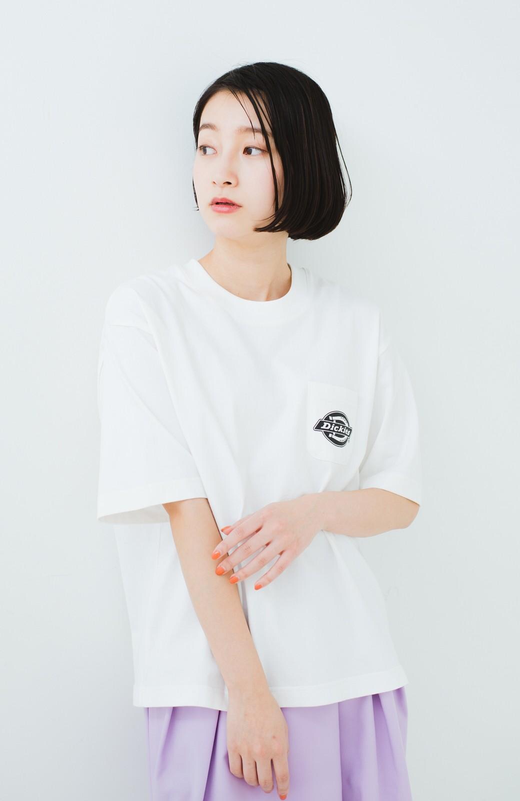 haco! Dickies 別注 ゆったり着られてちょうどいい ロゴプリントポケットTシャツ <ホワイト>の商品写真6