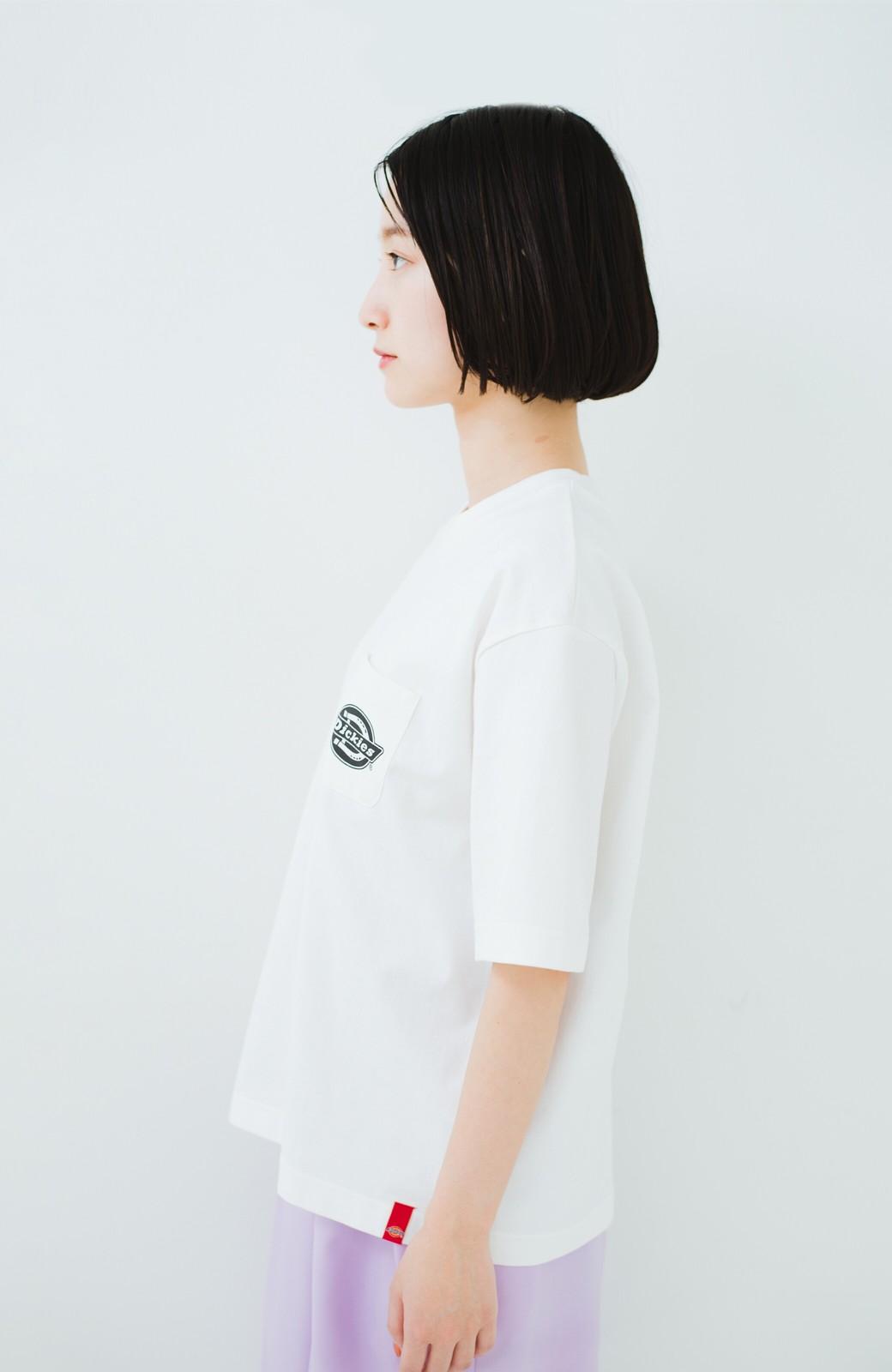 haco! Dickies 別注 ゆったり着られてちょうどいい ロゴプリントポケットTシャツ <ホワイト>の商品写真7