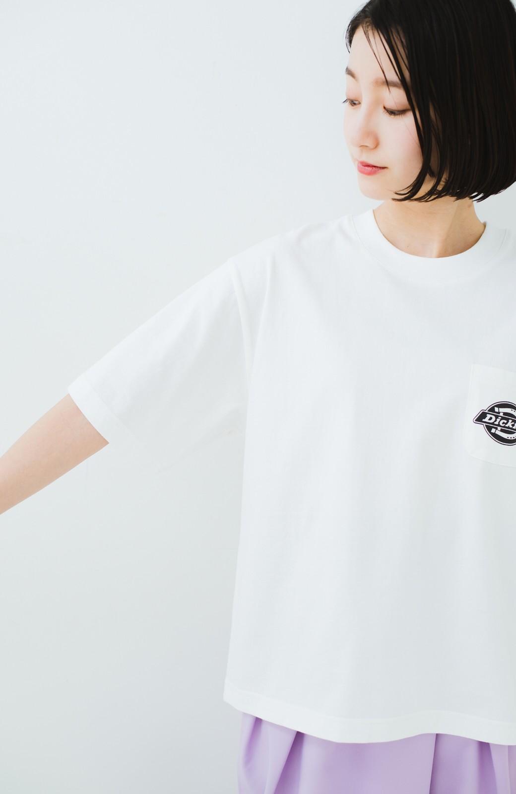 haco! Dickies 別注 ゆったり着られてちょうどいい ロゴプリントポケットTシャツ <ホワイト>の商品写真9