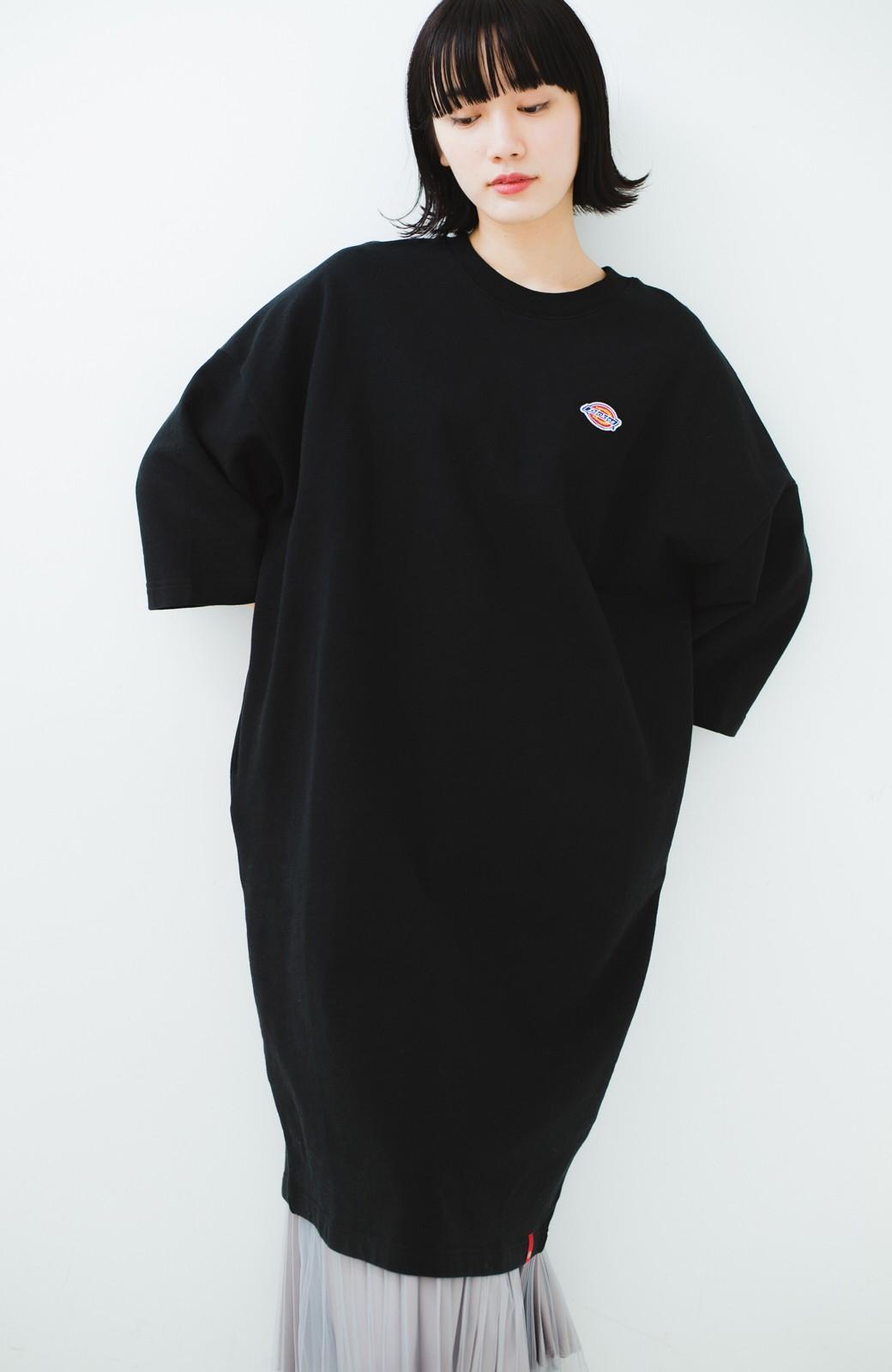 haco! Dickies 別注 ロングシーズン着られるワッペン付きスウェットコクーンワンピース <ブラック>の商品写真1
