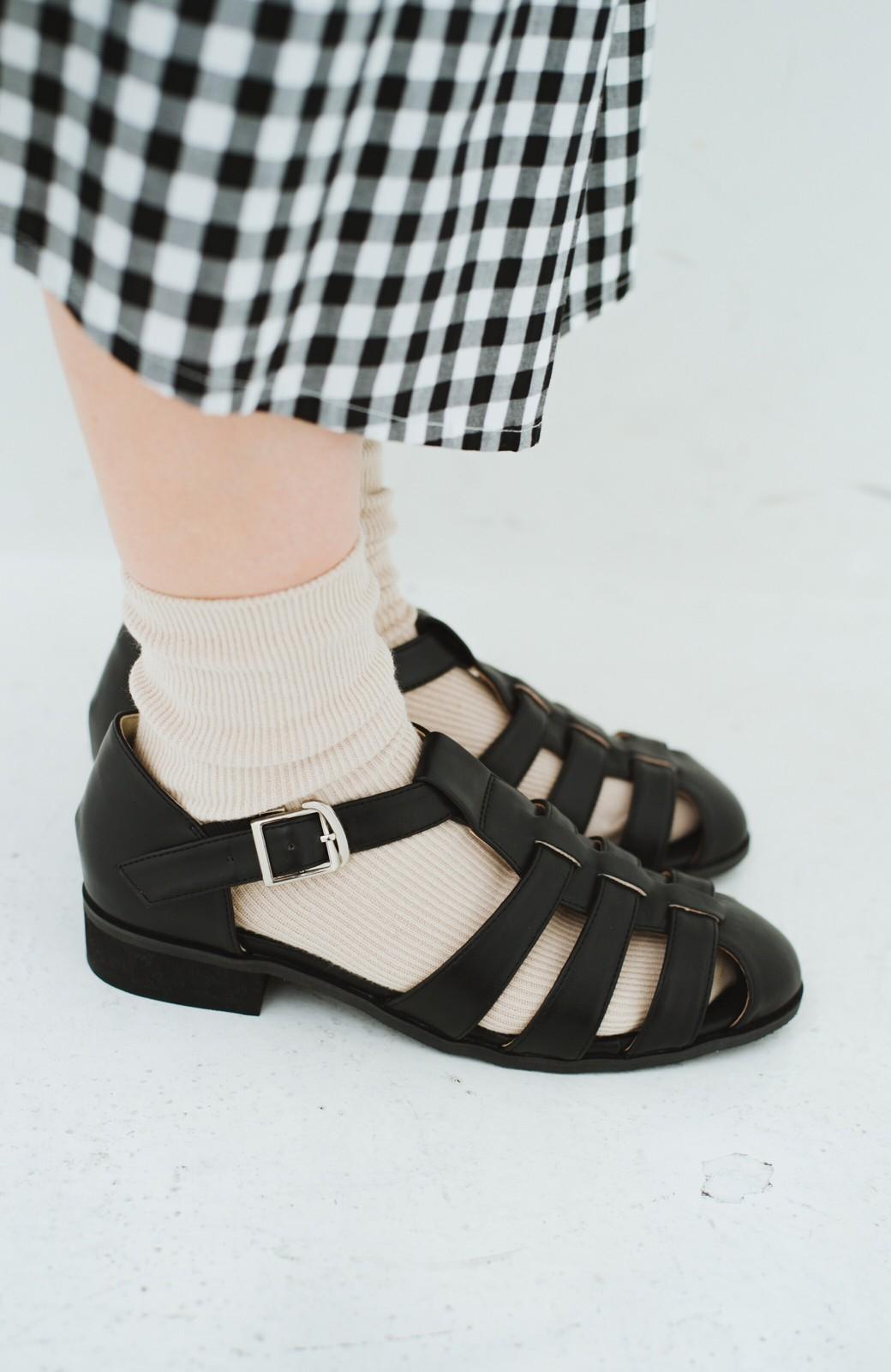 haco! 靴下でも素足でも合う 本革風編み込みサンダル <ブラック>の商品写真10