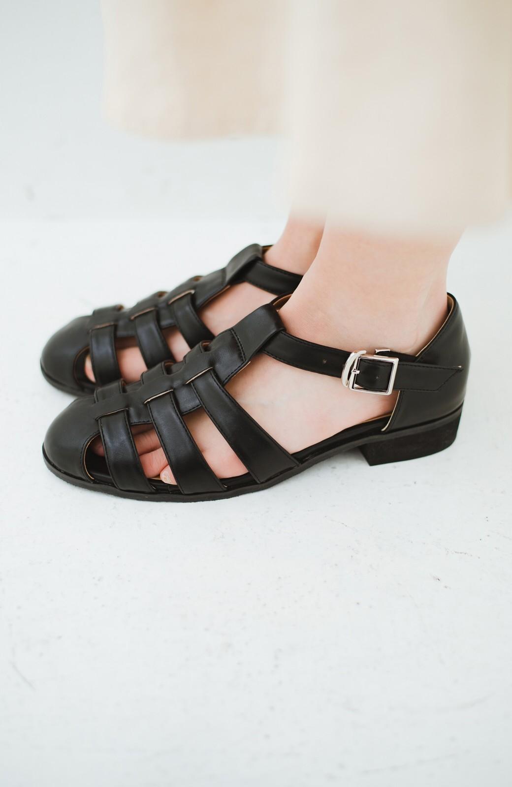 haco! 靴下でも素足でも合う 本革風編み込みサンダル <ブラック>の商品写真3