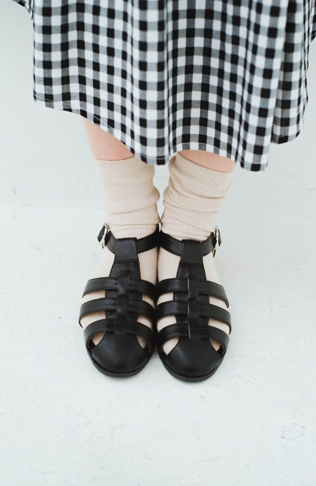 haco! 靴下でも素足でも合う 本革風編み込みサンダル <ブラック>の商品写真9