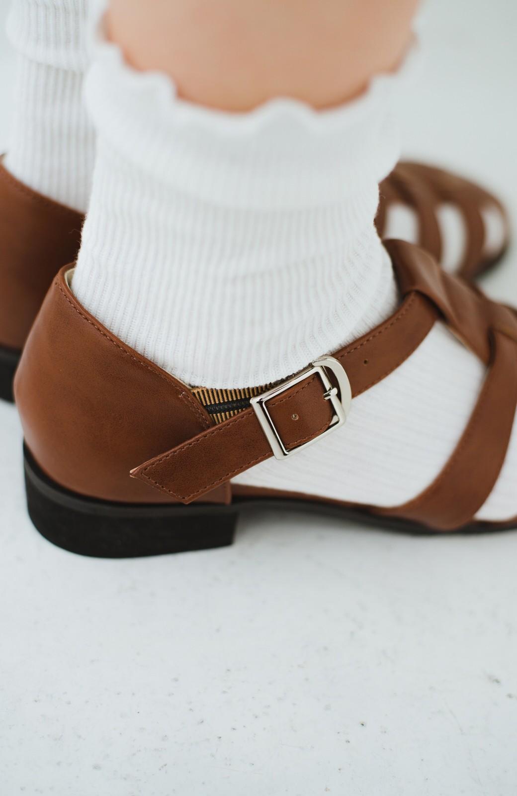 haco! 靴下でも素足でも合う 本革風編み込みサンダル <ブラウン>の商品写真10