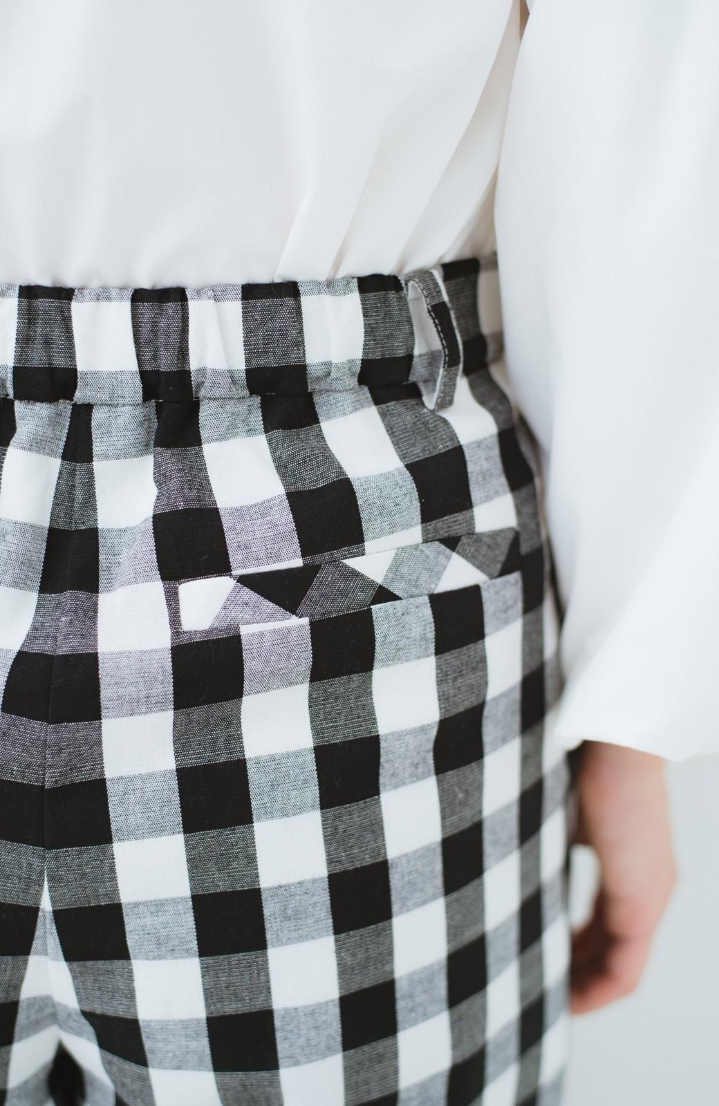 haco! モノトーンだってかわいく着られる 華やぎギンガムチェックパンツ <ブラック>の商品写真9