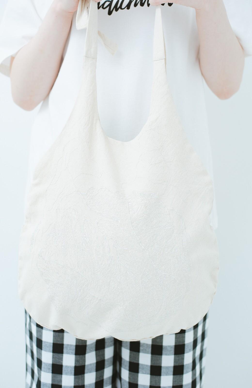 haco! PBP minne作家 onomatopeeさんと作ったオーガニックコットンのキャベツ刺しゅうバッグ by haco!×minne one+more project  <シルバー>の商品写真3
