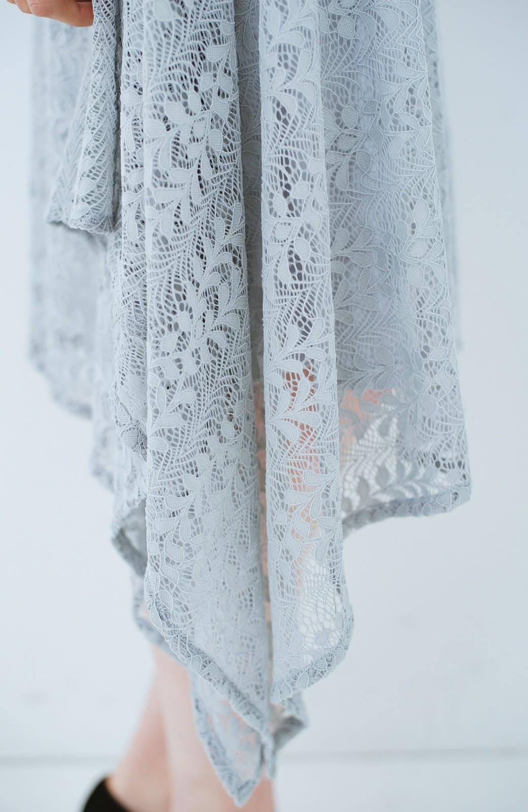 haco! 結婚式にも便利!スカートのドレープがきれいなレースワンピース <グレー>の商品写真5