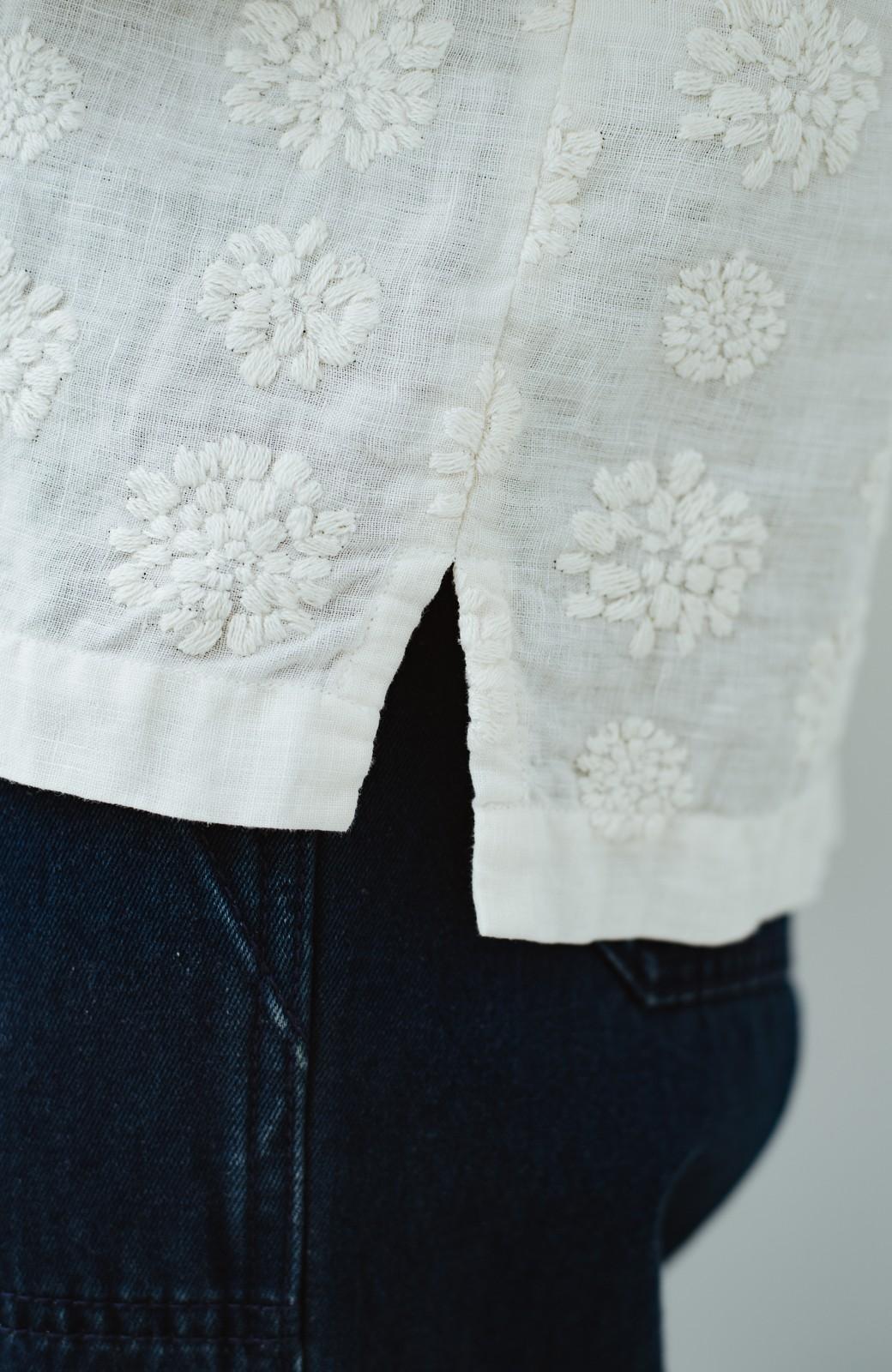 haco! てとひとて Miho Umezawa ダリア刺繍リネンブラウス <クリーム>の商品写真6