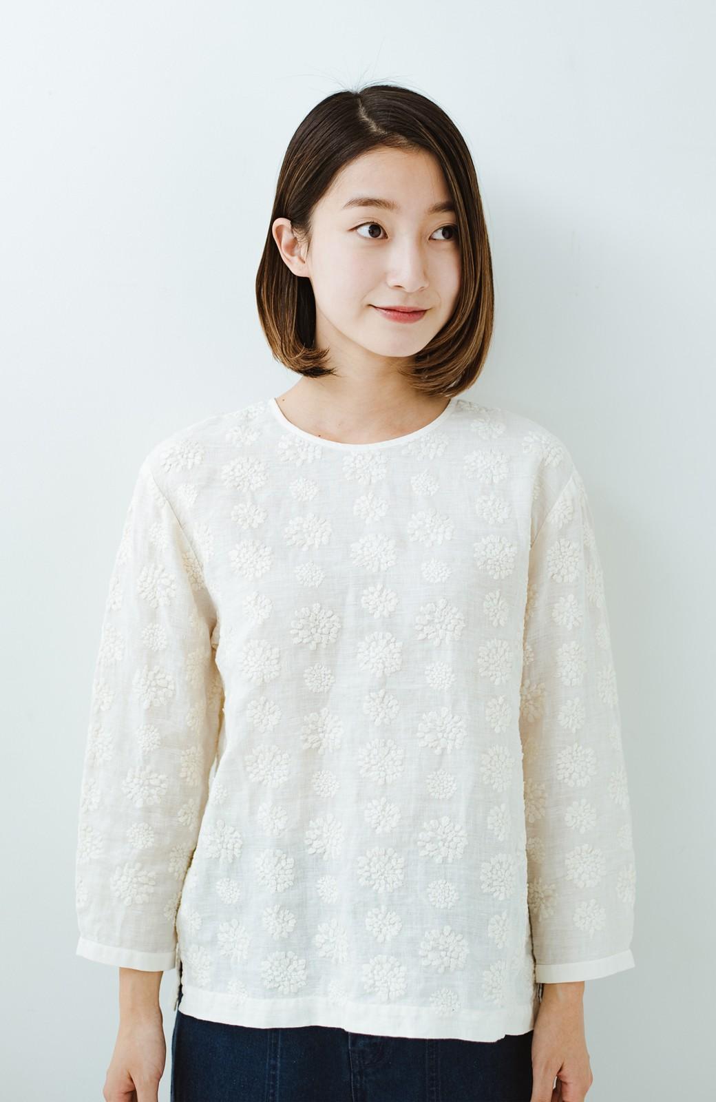 haco! てとひとて Miho Umezawa ダリア刺繍リネンブラウス <クリーム>の商品写真11