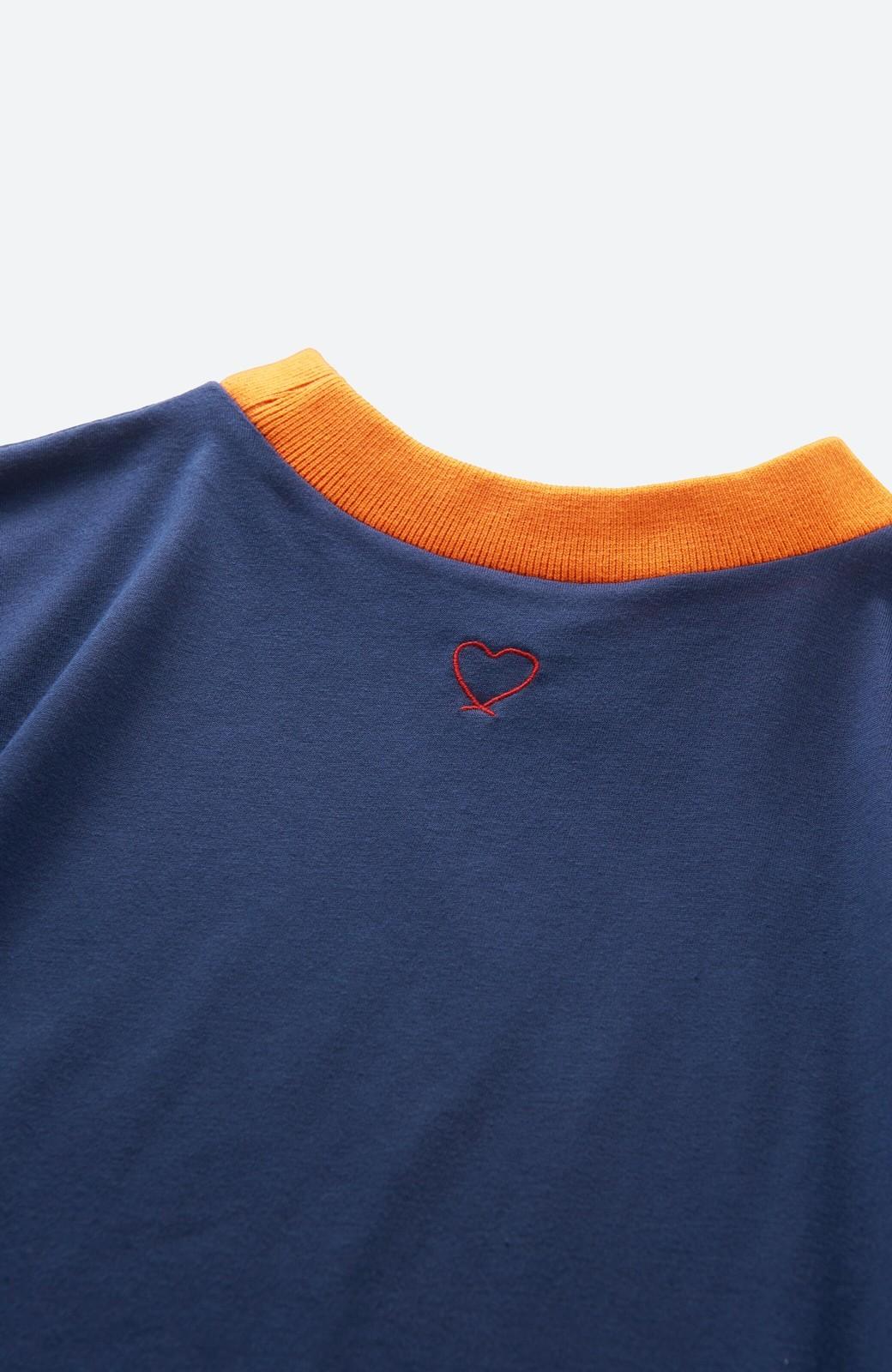 haco! PBP 高橋愛さんコラボ 手描きハート刺しゅうがかわいいコットンリンガーTシャツ <ネイビー>の商品写真4