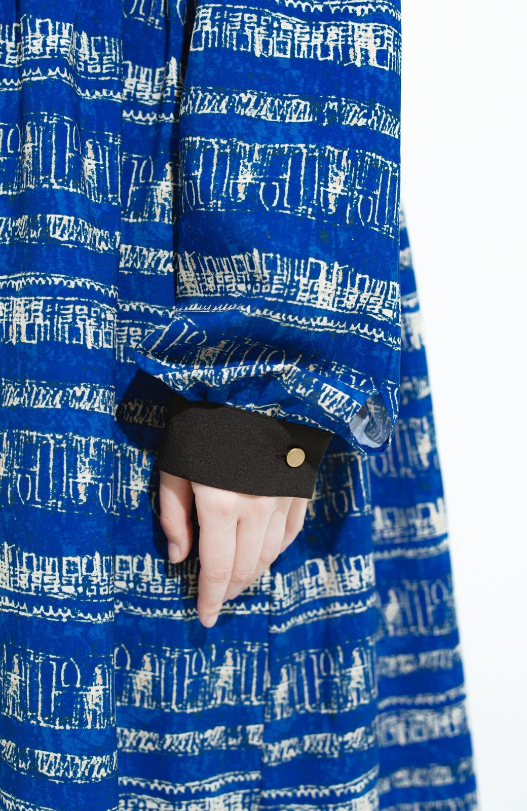 haco! 画家 入谷葉子さんと作った おすましワンピースとブローチのセット <ブルー系その他>の商品写真6