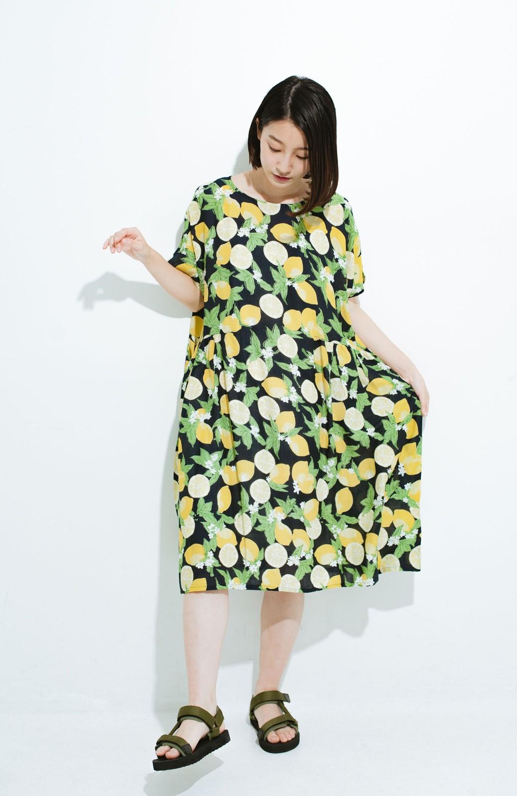 haco! LITTLE MARKET レモン柄 2WAYワンピース <ネイビー>の商品写真2