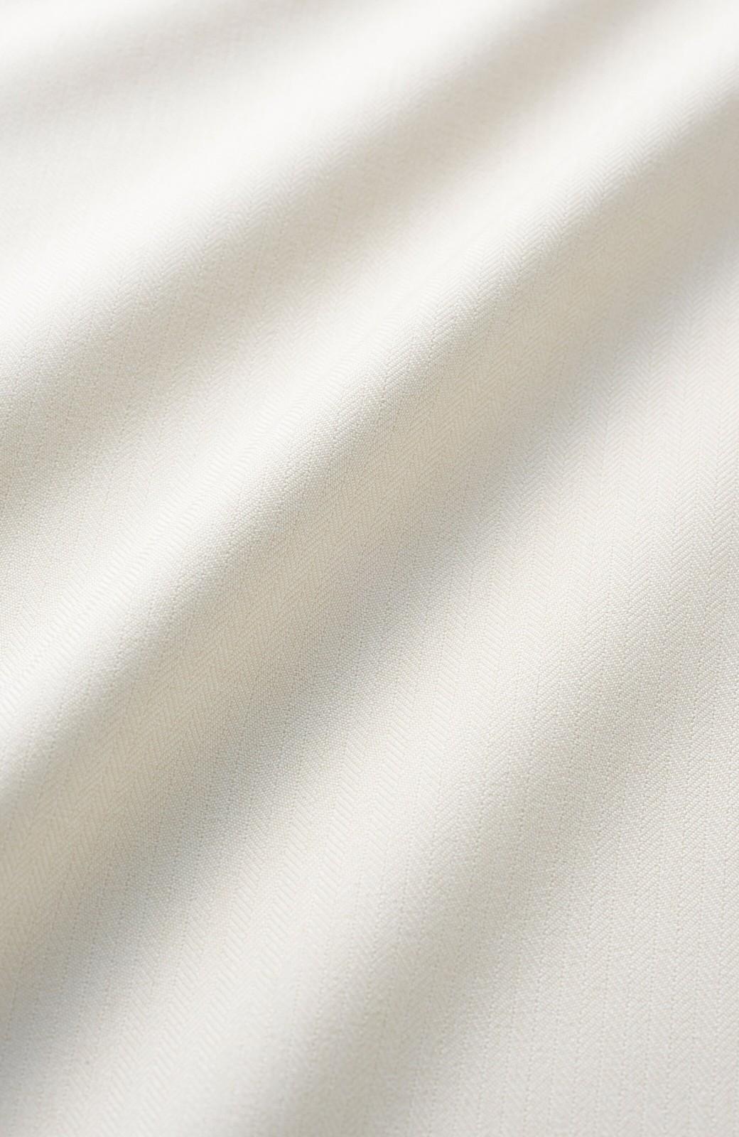 haco! パッと着てきれいな フレアースリーブTブラウス <アイボリー>の商品写真3