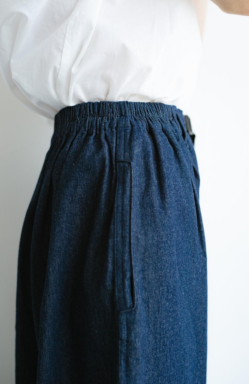 haco! むくみを隠してくれるボリュームパンツ【まったり期~もやもや期】女の子バンザイ!プロジェクト <インディゴブルー>の商品写真8