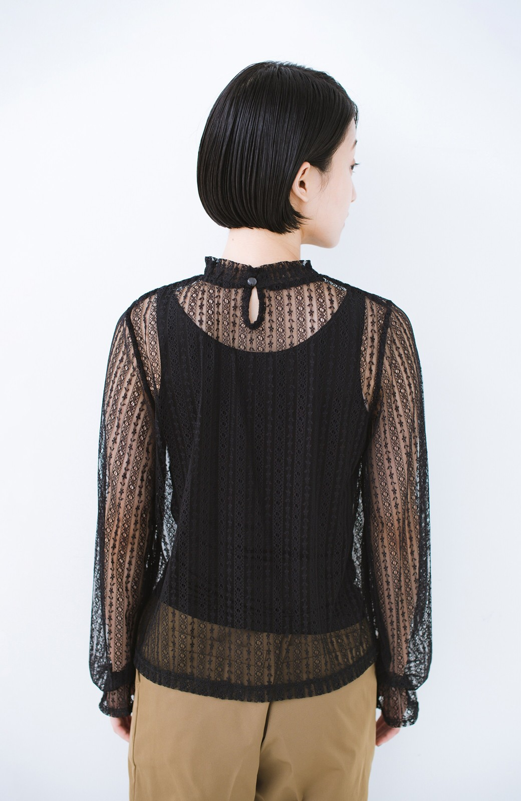 haco! 重ね着にも便利な伸びる女っぽレーストップス <ブラック>の商品写真12
