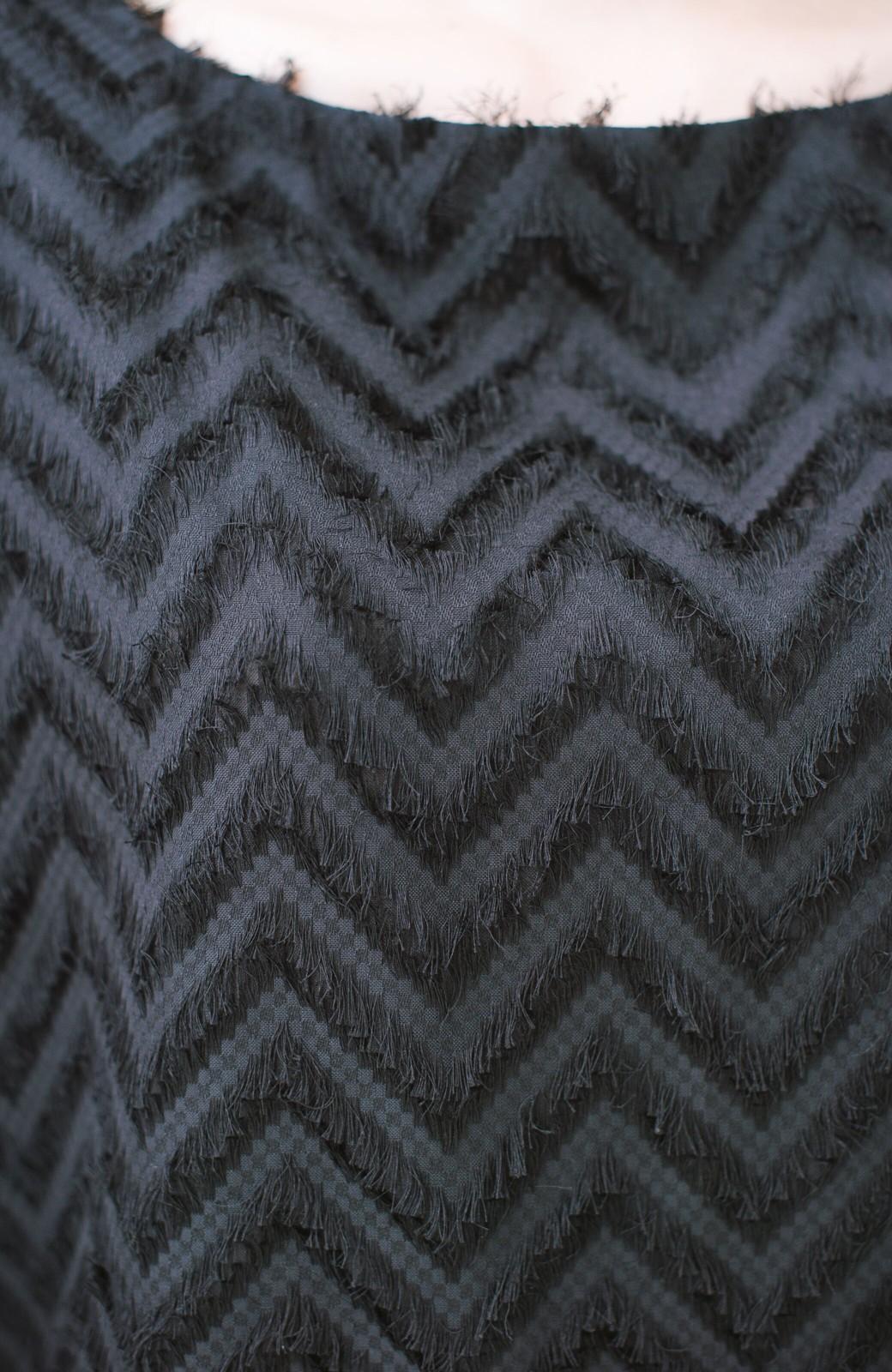 haco! シックなのにパッと着て華やぐ 相対性理論Tブラウス <ブラック>の商品写真3