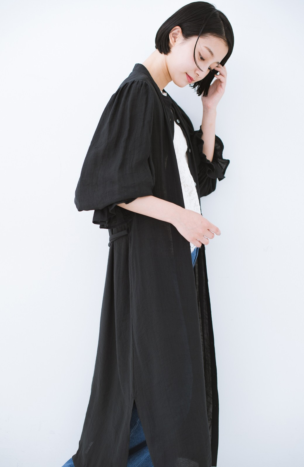 haco! 太ってもばれず 羽織っても便利なウエストリボンワンピース <ブラック>の商品写真23