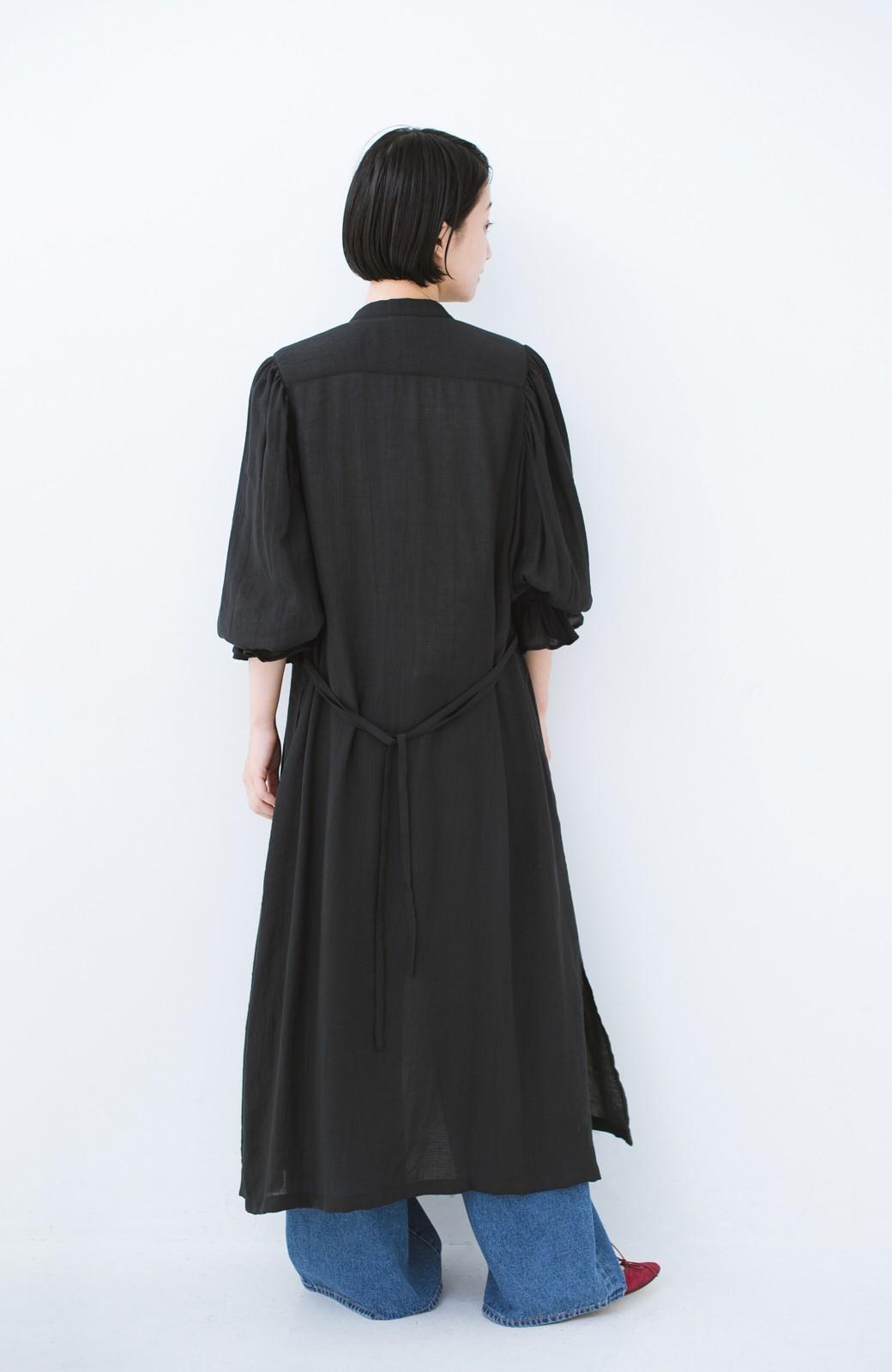 haco! 太ってもばれず 羽織っても便利なウエストリボンワンピース <ブラック>の商品写真15