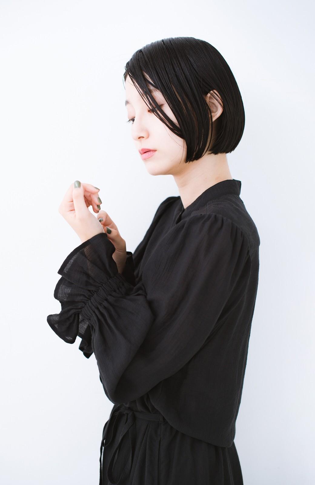 haco! 太ってもばれず 羽織っても便利なウエストリボンワンピース <ブラック>の商品写真20