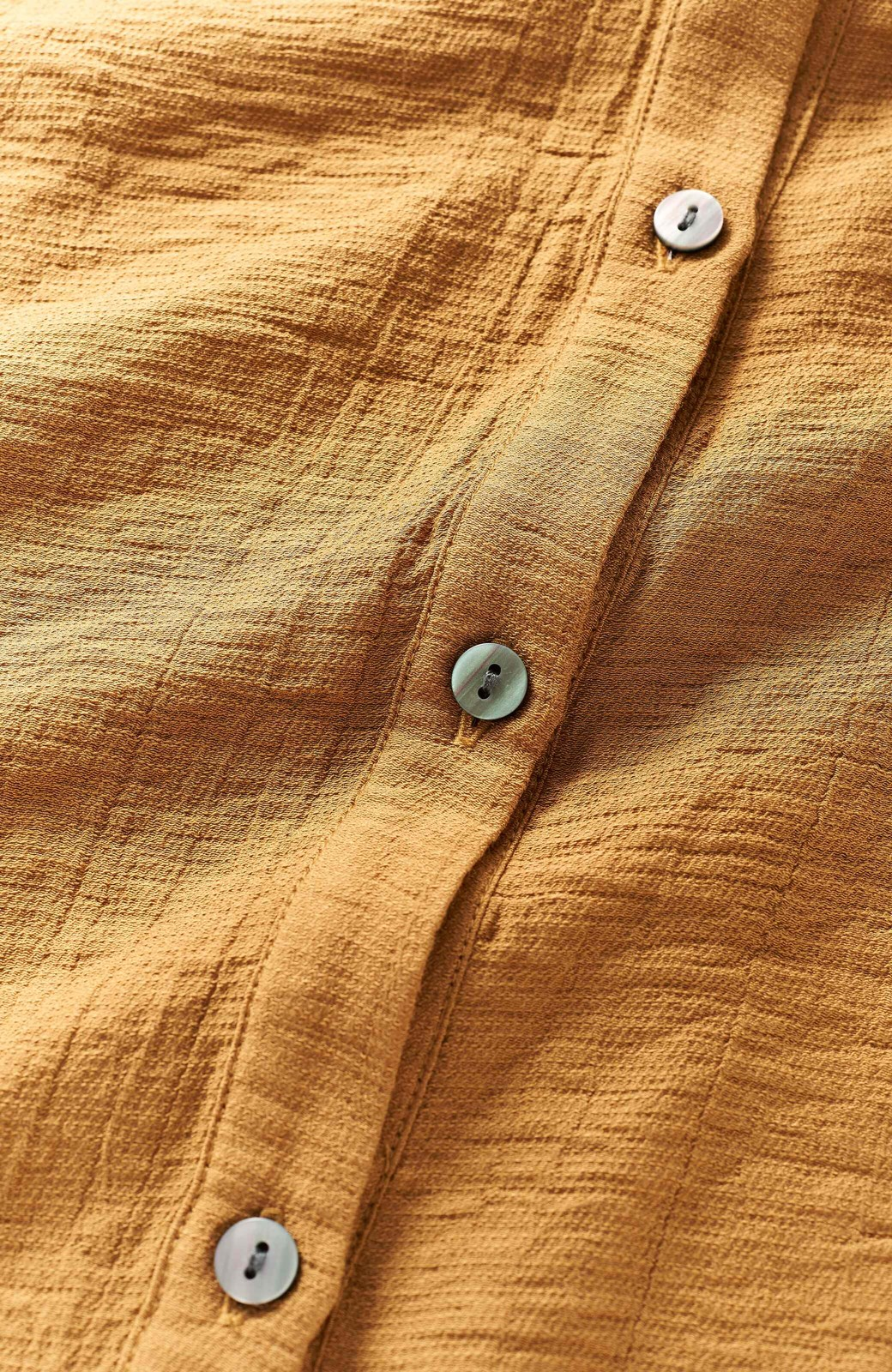 haco! 太ってもばれず 羽織っても便利なウエストリボンワンピース <マスタード>の商品写真3