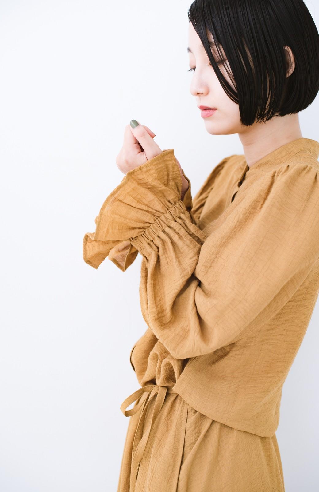 haco! 太ってもばれず 羽織っても便利なウエストリボンワンピース <マスタード>の商品写真8