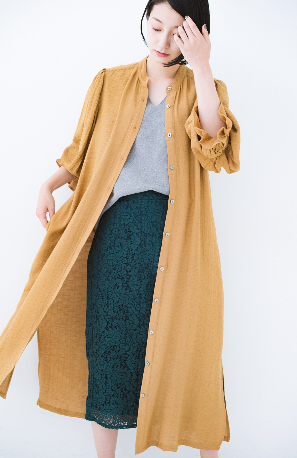 haco! 太ってもばれず 羽織っても便利なウエストリボンワンピース <マスタード>の商品写真5