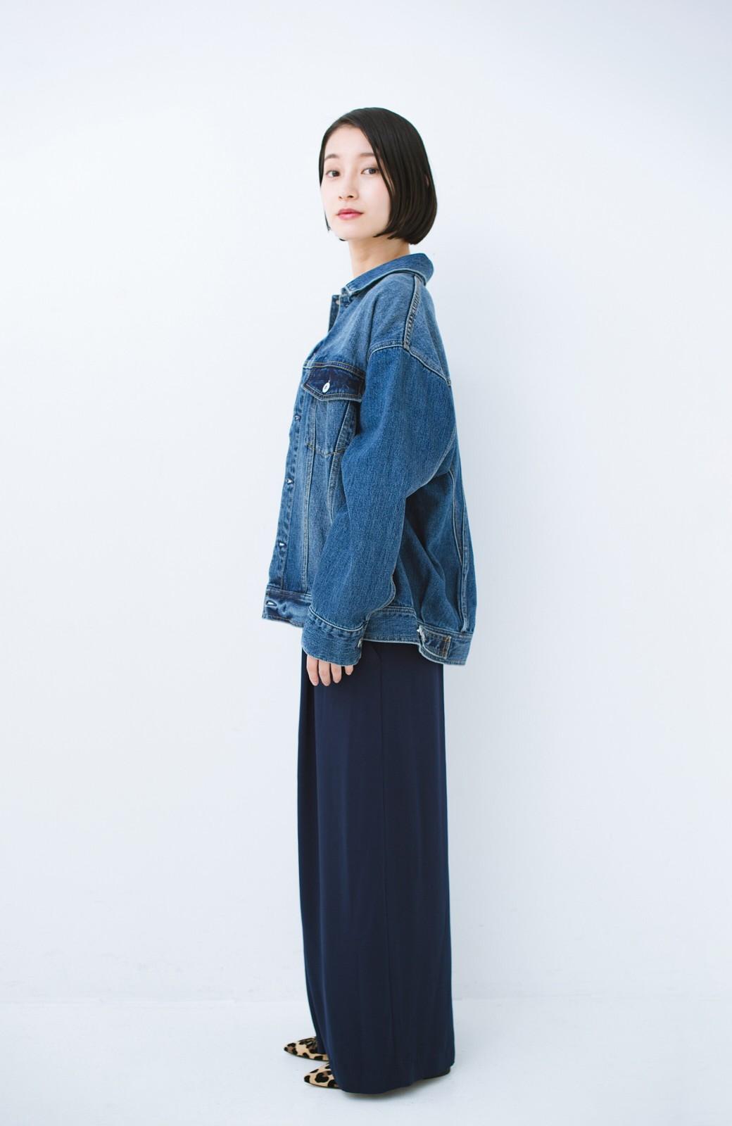 haco! こなれたシルエットがかなうオトナも着やすい大きめGジャン by MAKORI <インディゴブルー>の商品写真17