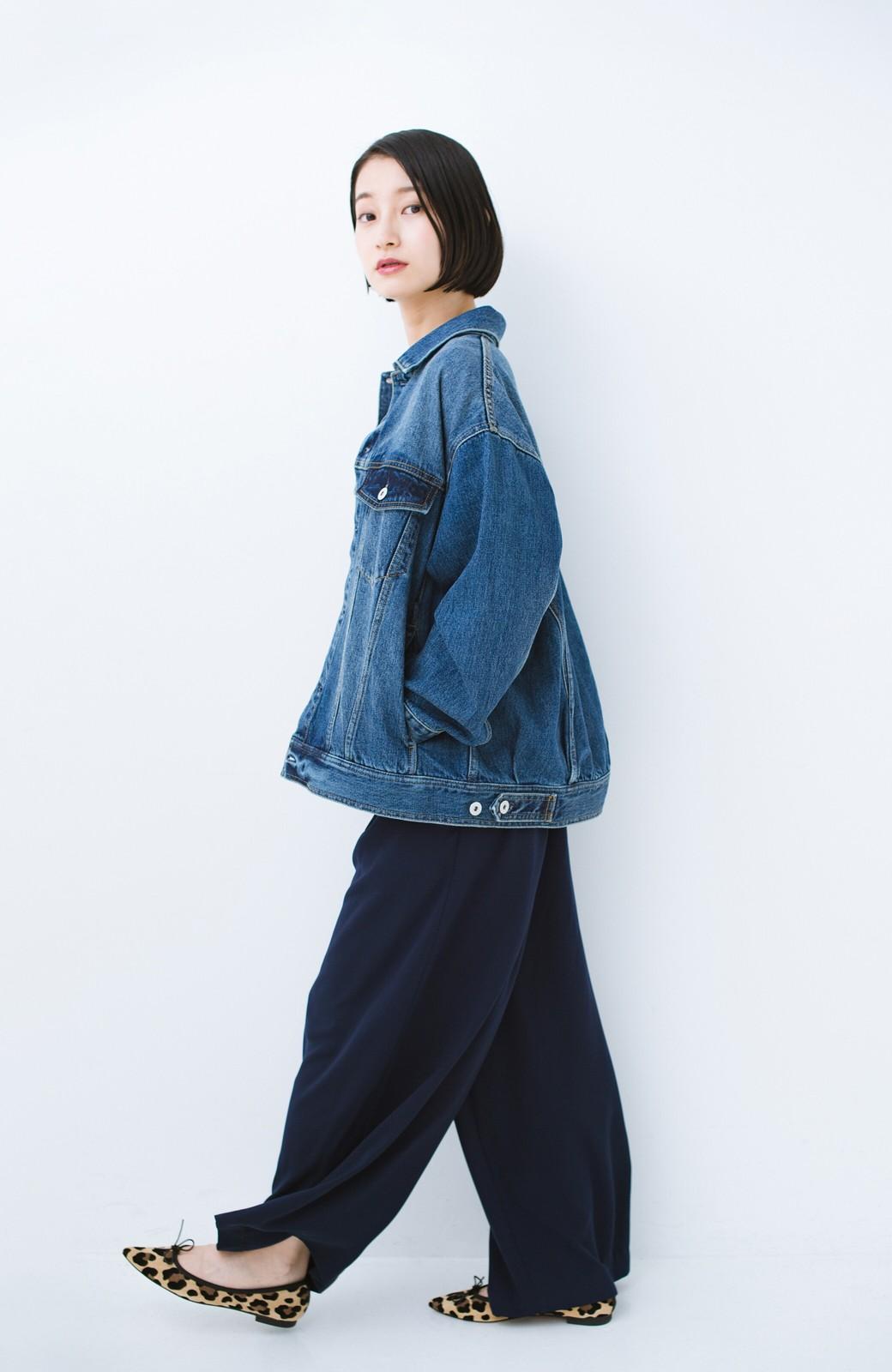 haco! こなれたシルエットがかなうオトナも着やすい大きめGジャン by MAKORI <インディゴブルー>の商品写真18