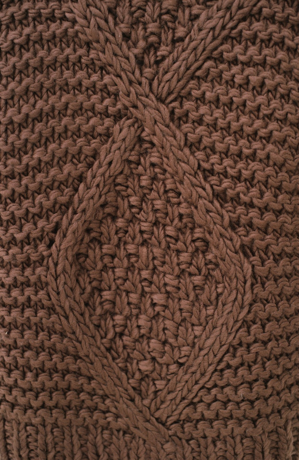 haco! お手軽羽織りにぴったりな 手編みのざっくりニットカーディガン by que made me <ブラウン>の商品写真4