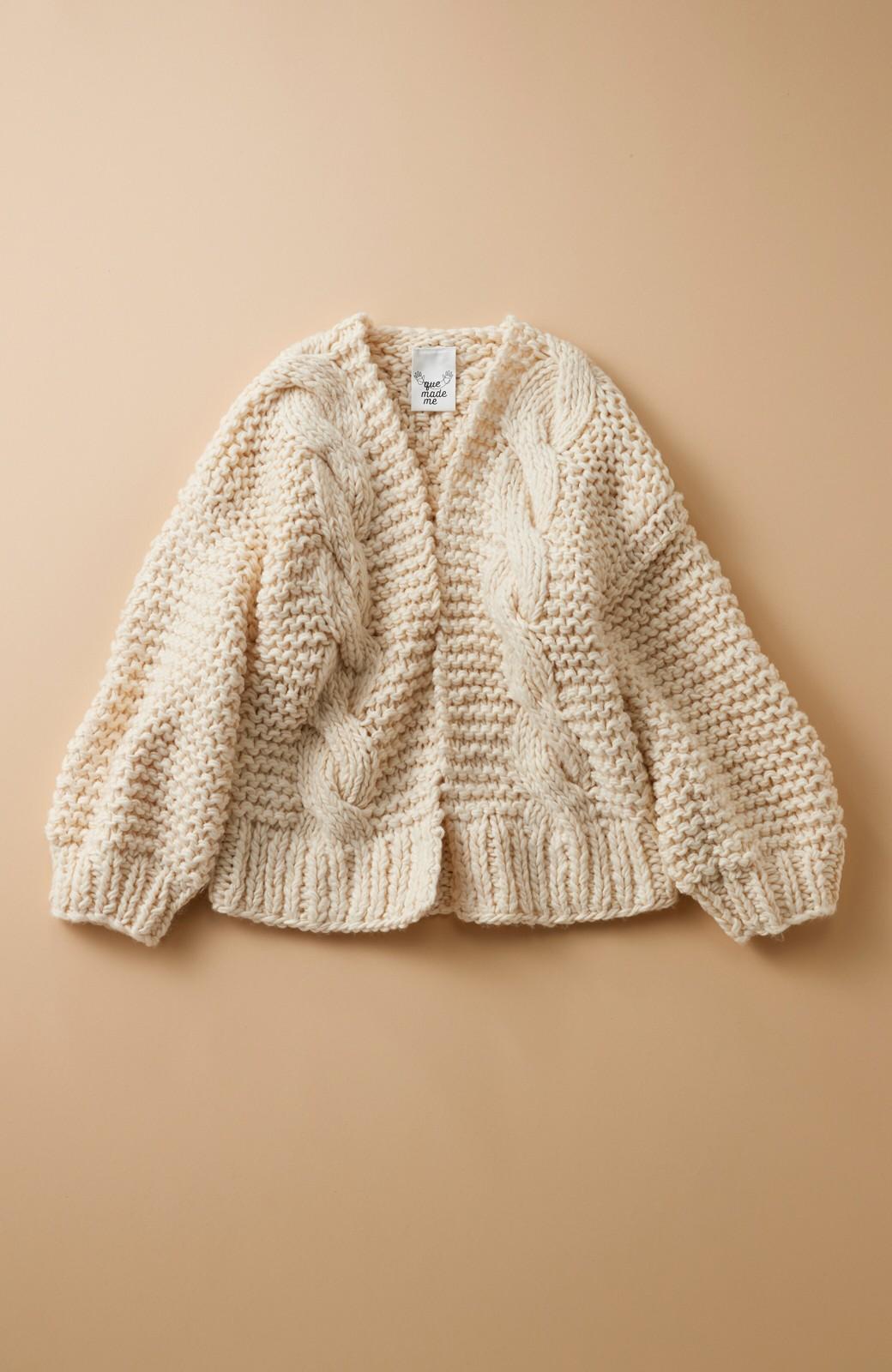 haco! お手軽羽織りにぴったりな 手編みのざっくりニットカーディガン by que made me <アイボリー>の商品写真1