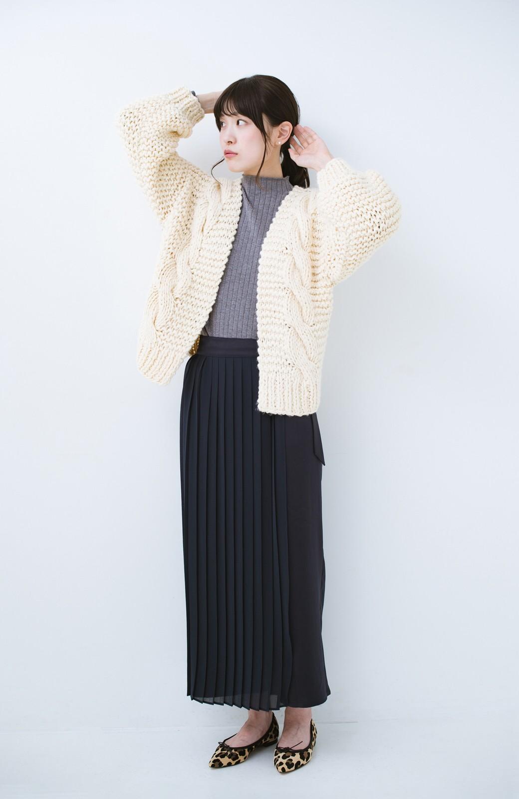 haco! お手軽羽織りにぴったりな 手編みのざっくりニットカーディガン by que made me <アイボリー>の商品写真7