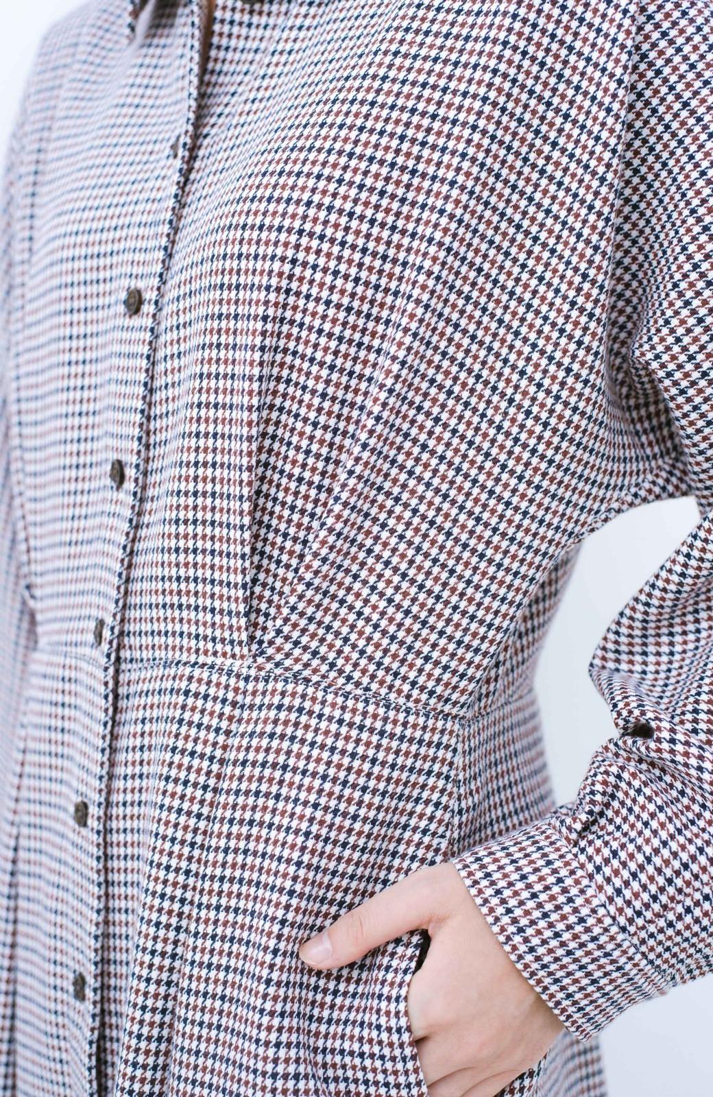 haco! 困った朝の救世主!パッと着てスタイルが完成するクラシックなドルマンワンピース <ブラウン系その他>の商品写真3