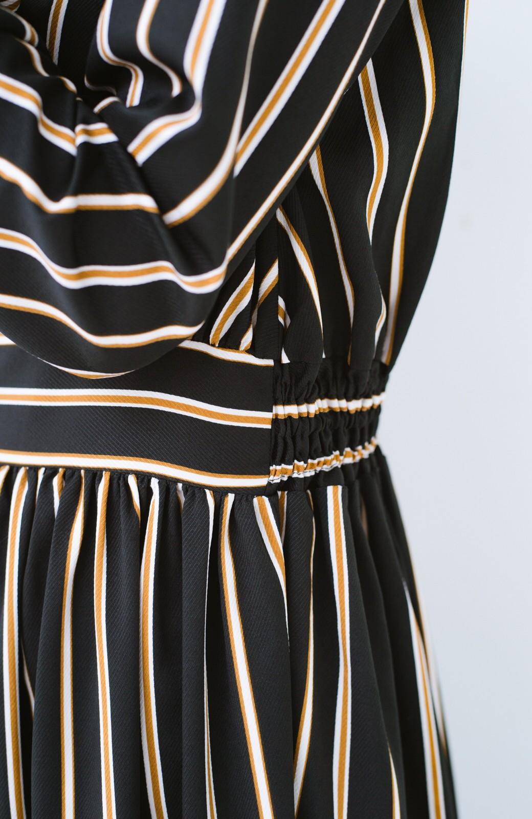 haco! 着るだけでテンション上げられる レジメンタルストライプのハイネックワンピース <ブラック>の商品写真5