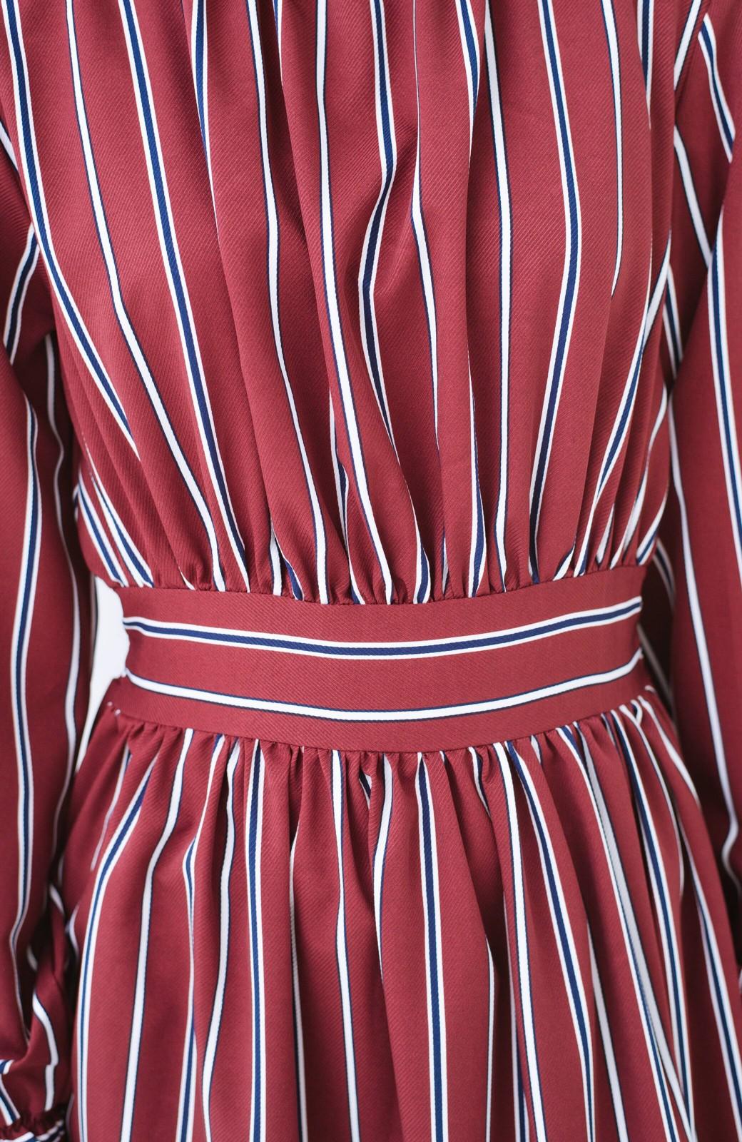 haco! 着るだけでテンション上げられる レジメンタルストライプのハイネックワンピース <ワインレッド>の商品写真6