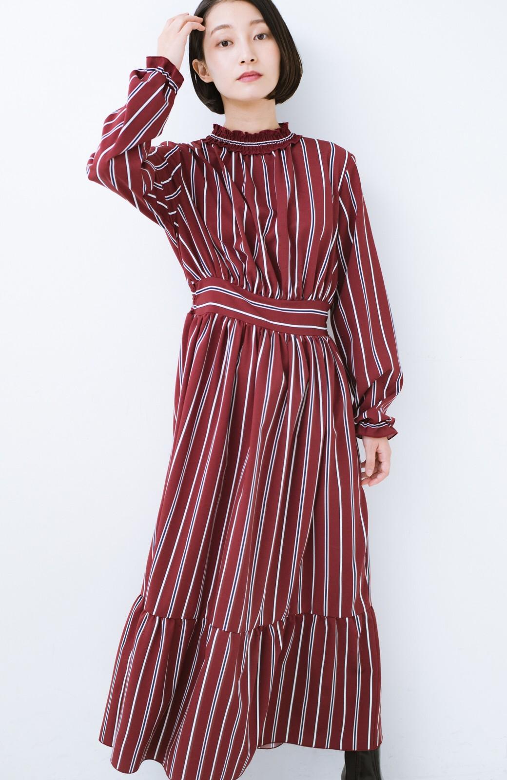haco! 着るだけでテンション上げられる レジメンタルストライプのハイネックワンピース <ワインレッド>の商品写真11