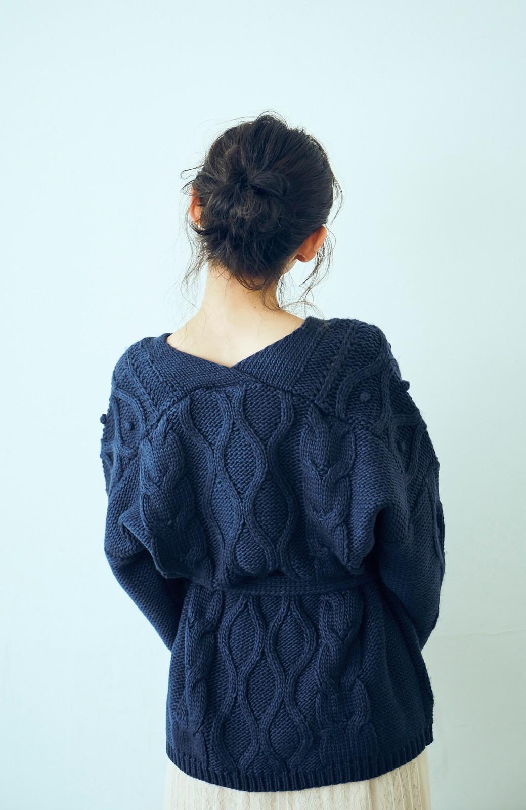 haco! <高橋愛さんコラボ>ラブ&ピースプロジェクト パプコーン編みのウエストマークケーブルニットトップス <ネイビー>の商品写真8