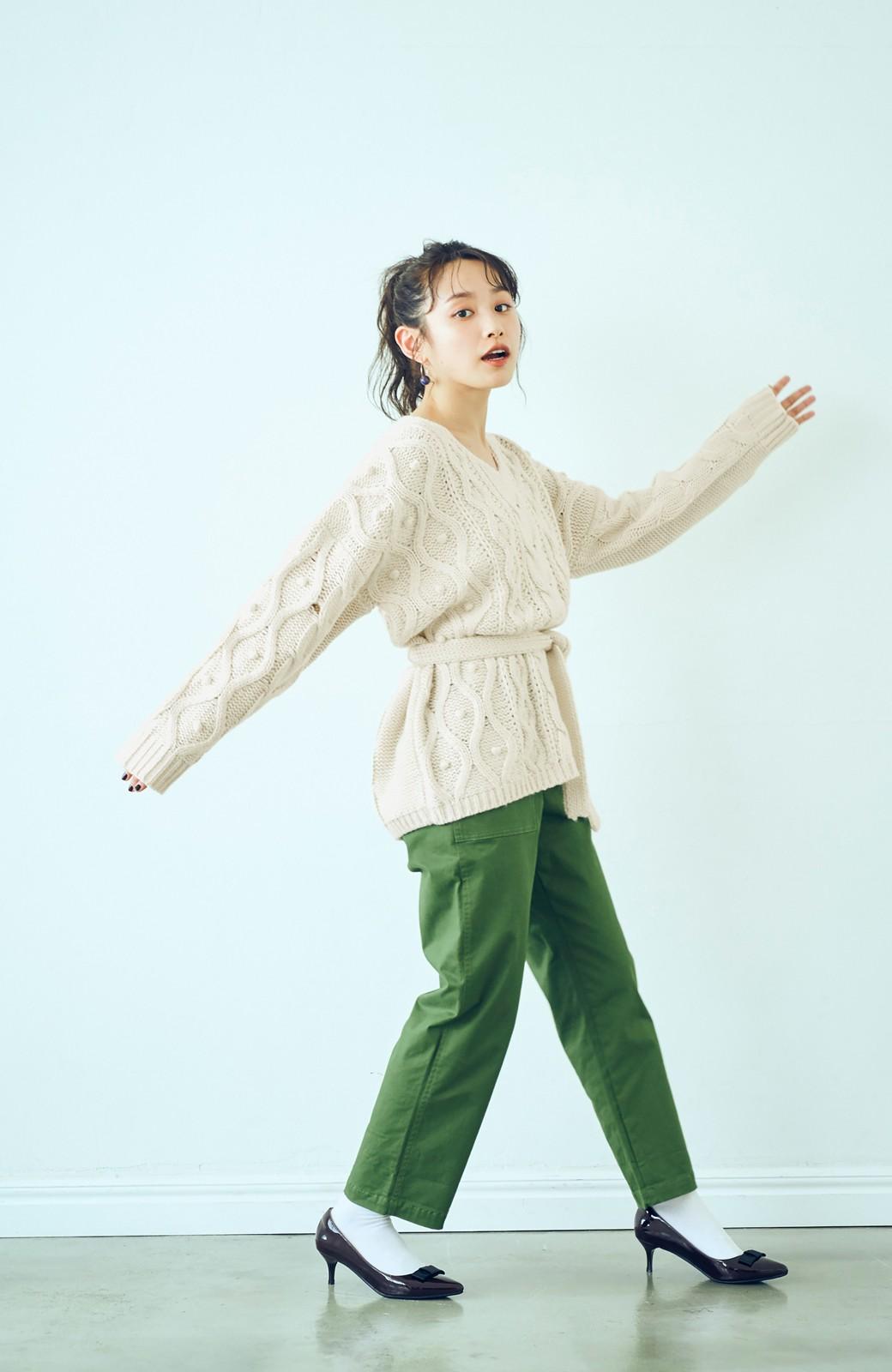 haco! <高橋愛さんコラボ>ラブ&ピースプロジェクト パプコーン編みのウエストマークケーブルニットトップス <オフホワイト>の商品写真7