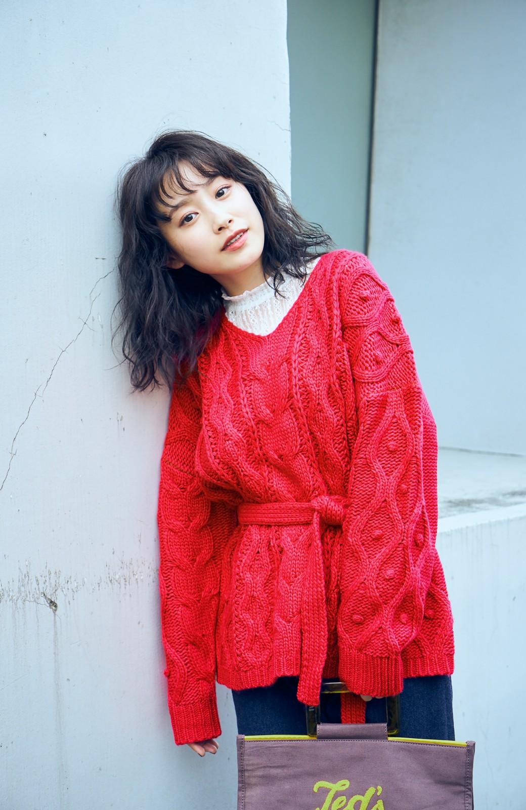 haco! <高橋愛さんコラボ>ラブ&ピースプロジェクト パプコーン編みのウエストマークケーブルニットトップス <ピンク>の商品写真1