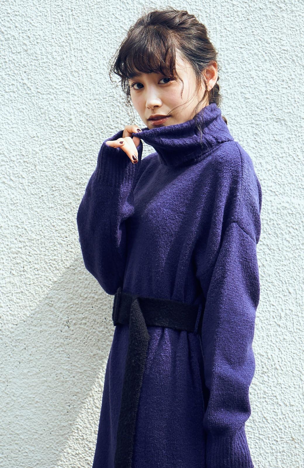 haco! <高橋愛さんコラボ>ラブ&ピースプロジェクト 配色ベルトのタートルニットロングワンピース <パープル>の商品写真3