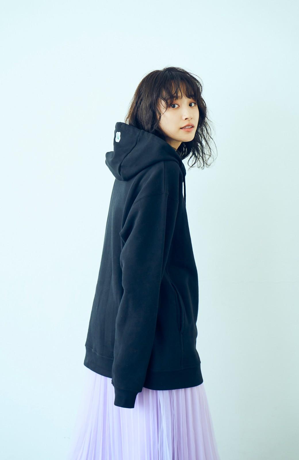 haco! <高橋愛さんコラボ>ラブ&ピースプロジェクト フロントジップの裏毛起毛パーカー(メンズ) <ブラック>の商品写真9