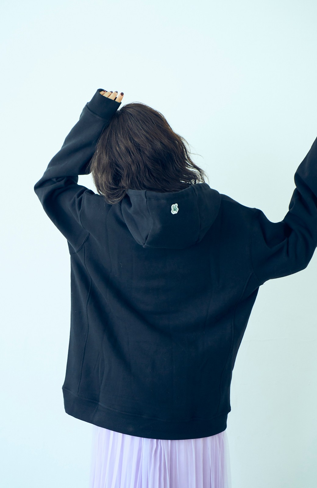 haco! <高橋愛さんコラボ>ラブ&ピースプロジェクト フロントジップの裏毛起毛パーカー(メンズ) <ブラック>の商品写真11
