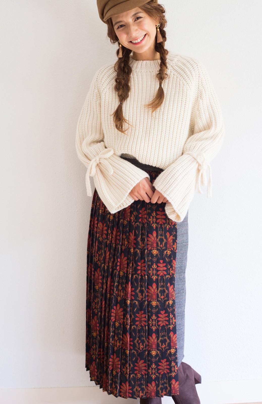 haco! <スザンヌさんコラボ>ラブ&ピースプロジェクト グレンチェック&ダークフラワー柄のアシンメトリースカート <グレー系その他>の商品写真16