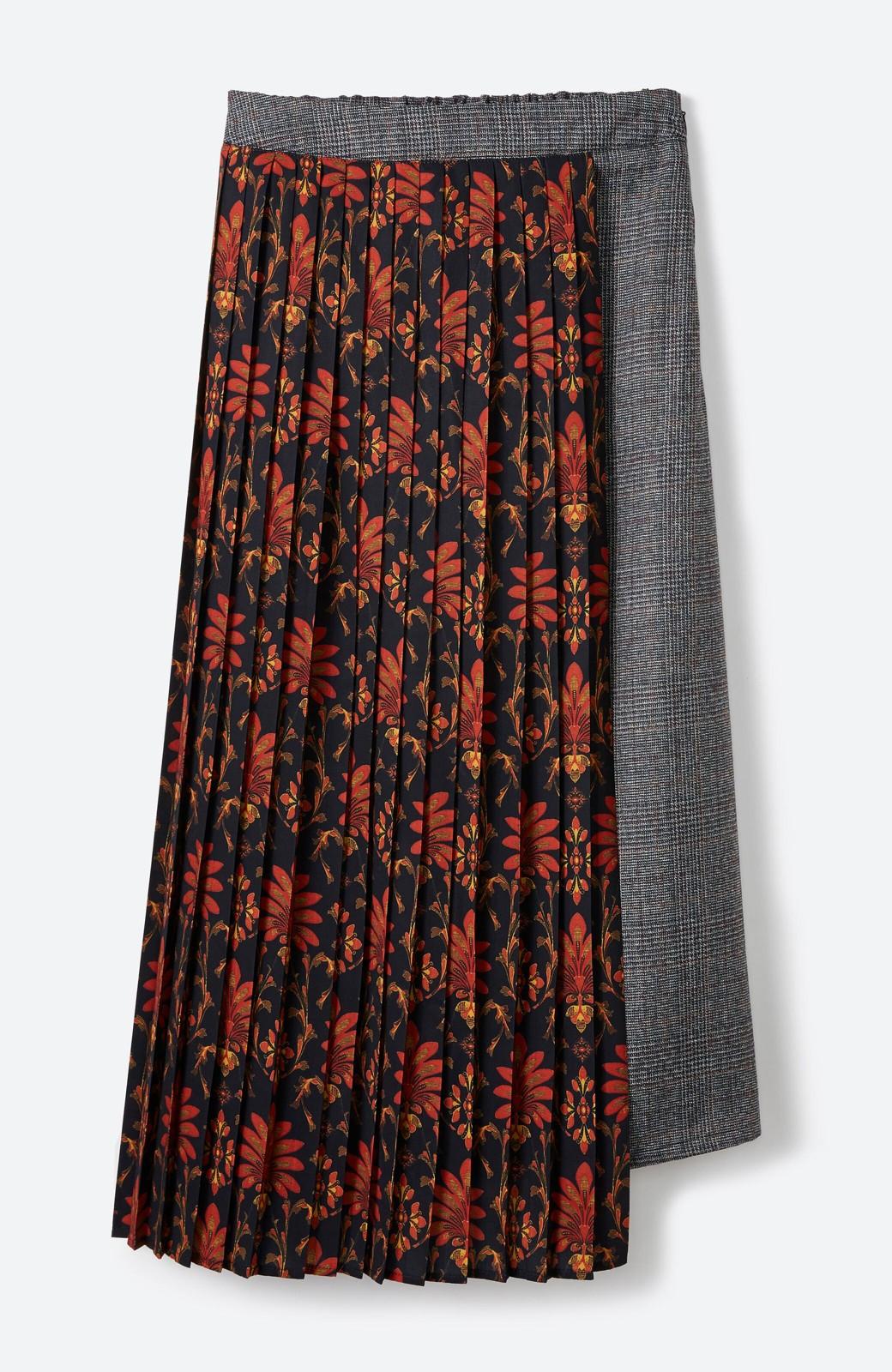 haco! <スザンヌさんコラボ>ラブ&ピースプロジェクト グレンチェック&ダークフラワー柄のアシンメトリースカート <グレー系その他>の商品写真1