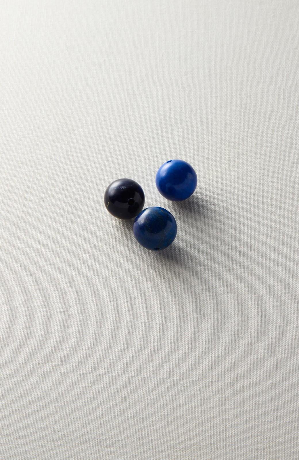 haco! <高橋愛さんコラボ>ラブ&ピースプロジェクト ラピスラズリのフープイヤーアクセ <ブルー>の商品写真4
