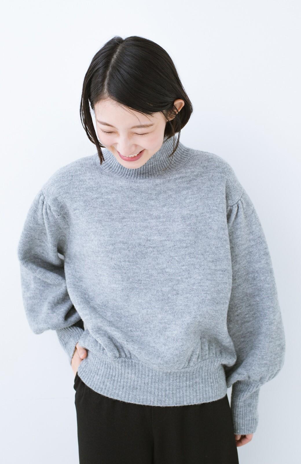haco! 肌見せせずとも華奢見えできる ぷっくり袖のショートニット <杢グレー>の商品写真10