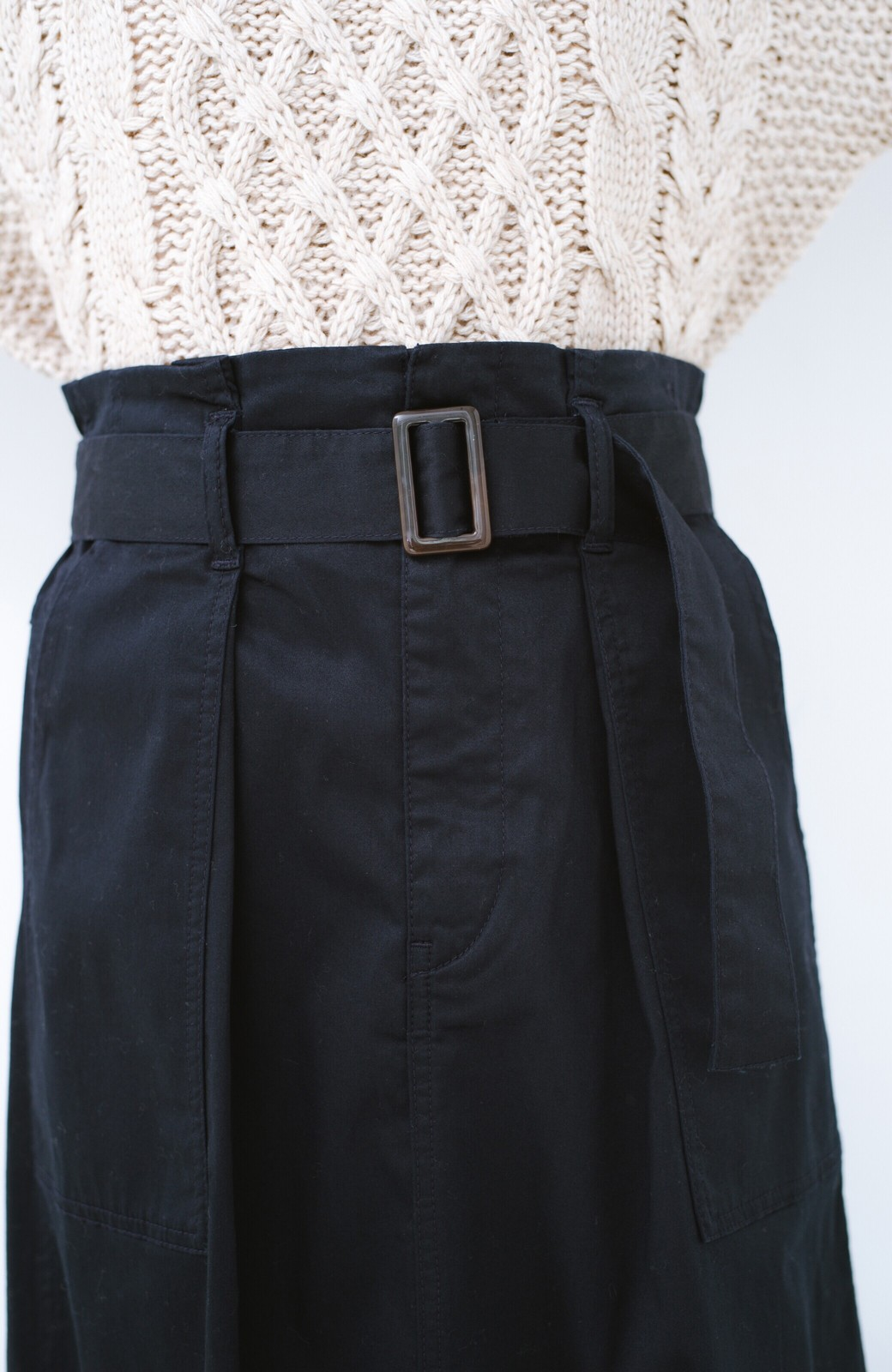 haco! ちょうどいい女っぽ感 下半身をすらっと見せるスリットロングスカート <ネイビー>の商品写真5