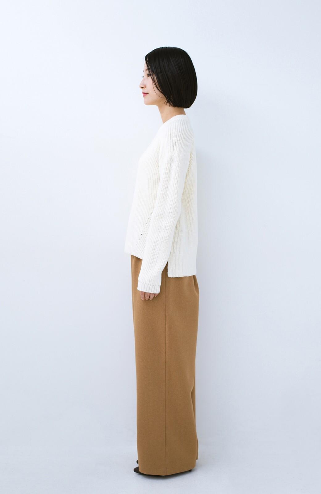 haco! パッと着るだけでバランスよく見える コンパクトシルエットの畦編みニット by que made me <ホワイト>の商品写真7