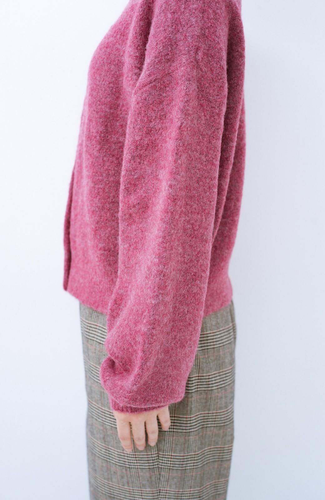 haco! 後ろ前着られていつでもどこでも役に立つきれいめニットカーディガン <ピンク>の商品写真3