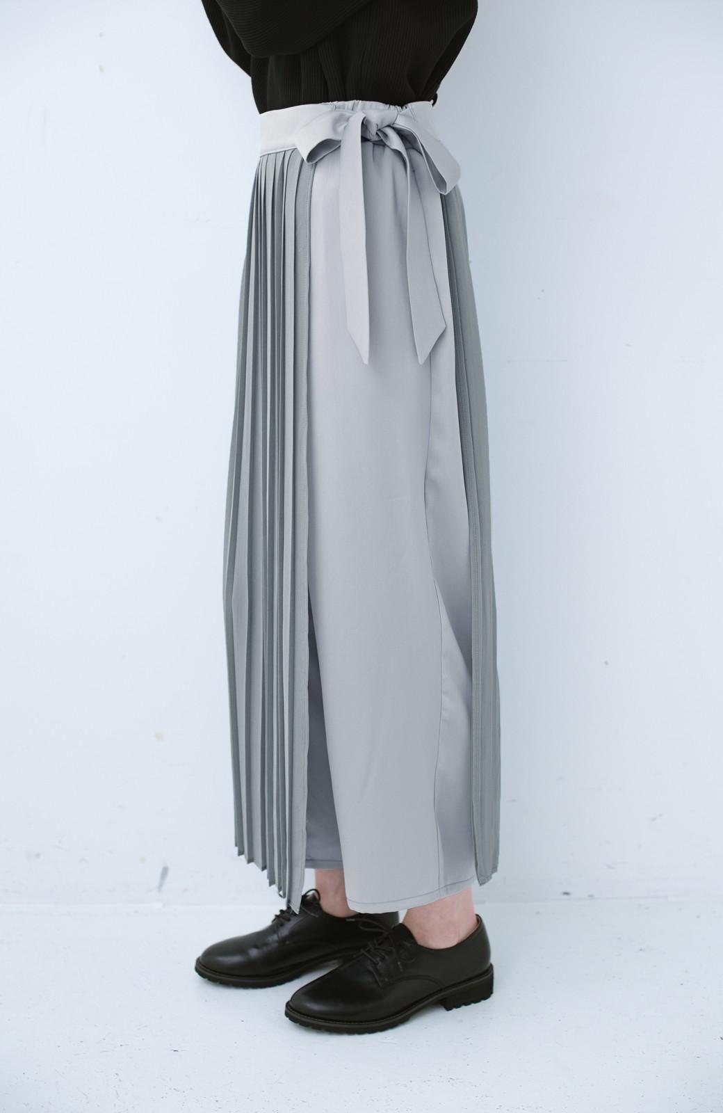 haco! パンツ派さんのデート着 プリーツスカート風にもなる華やかパンツセット <ライトブルーグレー>の商品写真6