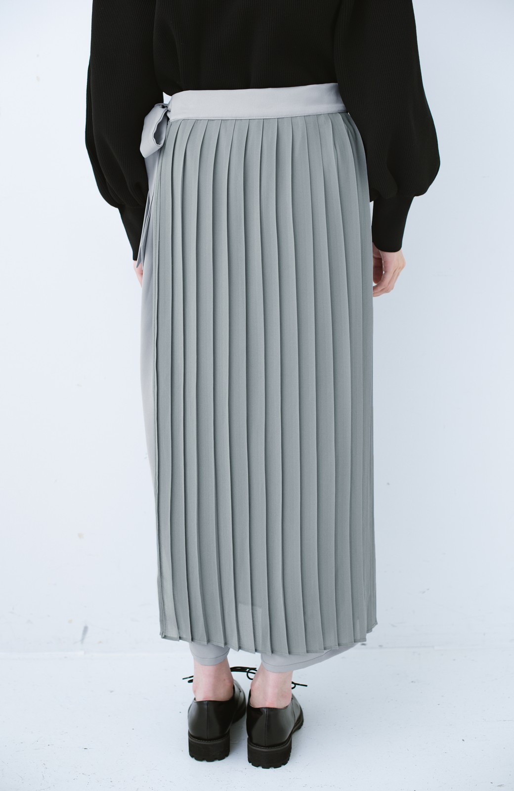 haco! パンツ派さんのデート着 プリーツスカート風にもなる華やかパンツセット <ライトブルーグレー>の商品写真7